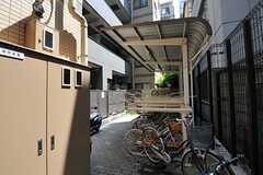自転車置場の様子。(2012-08-07,共用部,GARAGE,1F)