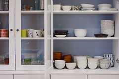 食器棚の様子。(2015-06-28,共用部,KITCHEN,1F)