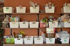事業者さんが自ら作った食料棚。(2014-05-22,共用部,LIVINGROOM,2F)