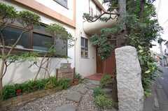 玄関周りの様子。(2008-10-29,周辺環境,ENTRANCE,1F)