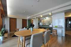 リビングの様子。カフェをイメージした内装です。※女性専用フロアです。(2012-02-27,共用部,LIVINGROOM,5F)