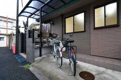 駐輪場の様子。貸出用の自転車が用意されています。(2018-03-09,共用部,ENVIRONMENT,1F)