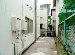 駐輪場の様子。(2006-07-13,共用部,GARAGE,1F)