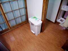 キッチンのゴミ箱(2006-06-24,共用部,OTHER,1F)