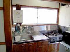 専有部の様子2。プライベートキッチン付きの部屋も。(?号室)(2006-06-24,専有部,ROOM,2F)