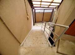 2階へ上がる階段は外(2006-06-24,共用部,OTHER,2F)