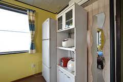 キッチン家電の様子。一部は入居者さんの私物です。(2016-10-12,共用部,KITCHEN,2F)