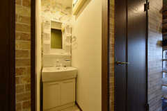 廊下に設置された洗面台。(2016-10-12,共用部,OTHER,1F)