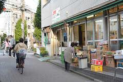 地元密着型の商店も多くあります。(2016-10-12,共用部,ENVIRONMENT,1F)