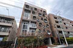 マンションの外観。6-7Fがシェアハウスです。(2011-04-20,共用部,OUTLOOK,1F)