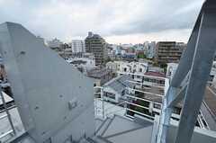 マンションの共用階段の様子。(2011-04-20,専有部,ROOM,8F)