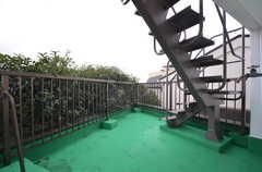階段を上ると屋上に上がれます。(2014-12-11,共用部,OTHER,4F)