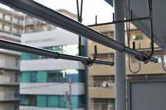 ベランダには物干器具が設置されています。(6051号室)(2012-12-10,専有部,ROOM,6F)