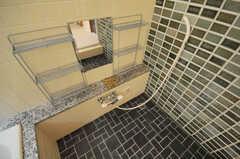 シャワールームの様子。バスとシャワーは仕切られる予定だそう。(2010-07-06,共用部,BATH,3F)