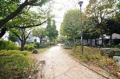シェアハウスの近くには、南篠崎つつじ公園があります。(2015-10-20,共用部,ENVIRONMENT,1F)