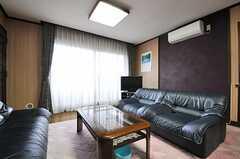 ゆったりサイズのソファ。(2014-04-03,共用部,LIVINGROOM,2F)
