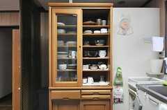 食器棚の様子。(2014-04-03,共用部,KITCHEN,2F)