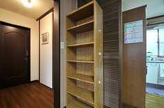 各部屋ごとに分けられた収納棚の様子。(2014-04-03,共用部,OTHER,2F)