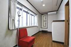 専有部の様子3。ドアの先はベランダです。(301号室)(2014-04-03,専有部,ROOM,3F)