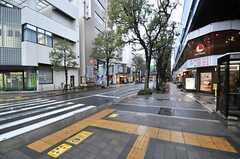 駅前には飲食店も多数あります。(2014-04-03,共用部,ENVIRONMENT,1F)