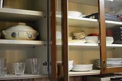 食器棚の様子。(2015-08-25,共用部,KITCHEN,1F)