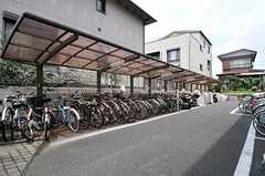 自転車・バイク置き場の様子。(2011-08-26,共用部,GARAGE,1F)