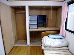 専有部の様子2。どの部屋も収納は充実。(209号室)(2007-04-21,専有部,ROOM,2F)