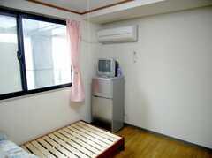 専有部の様子3。全室TV、冷蔵庫付き。(209号室)(2007-04-21,専有部,ROOM,2F)
