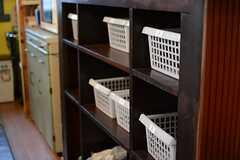 専有部ごとに収納ボックスも設けられています。(2015-03-09,共用部,KITCHEN,1F)