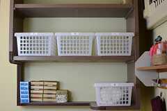 部屋ごとにバスタオルなどを置くことができる収納が設けられています。(2015-03-09,共用部,OTHER,1F)