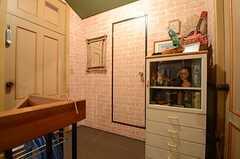 正面のドアはトイレ。(2015-03-09,共用部,OTHER,2F)