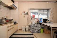 シェアハウスのキッチンの様子。(307号室)(2010-05-13,共用部,LIVINGROOM,3F)