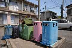 マンションのゴミ置き場の様子。(2010-05-13,共用部,OTHER,1F)