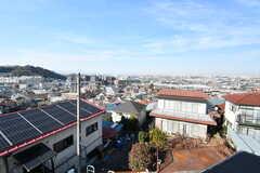 出窓から見える景色。高台のため、見晴らしがいいです。(204号室)(2019-01-08,専有部,ROOM,2F)