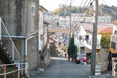 駅からの道のりは坂道。(2019-01-08,共用部,ENVIRONMENT,1F)