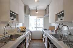 シェアハウスのキッチンの様子2。(2011-04-04,共用部,KITCHEN,1F)