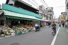 シェアハウスの近くは商店街です。(2012-12-21,共用部,ENVIRONMENT,1F)