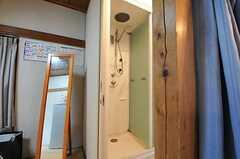 シャワールームの様子。(2011-02-03,共用部,BATH,1F)