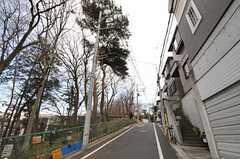 シェアハウスから各線・成増駅へ向かう道の様子。(2011-02-03,共用部,ENVIRONMENT,1F)
