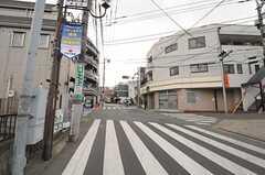 シェアハウスから各線・成増駅へ向かう道の様子2。(2011-02-03,共用部,ENVIRONMENT,1F)