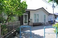 シェアハウスの正面玄関。(2012-09-13,周辺環境,ENTRANCE,2F)