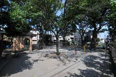 シェアハウスは公園と隣接しています。(2012-09-13,共用部,ENVIRONMENT,1F)