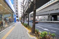 都営三田線・板橋本町駅からシェアハウスへ向かう道の様子。(2012-12-21,共用部,ENVIRONMENT,1F)