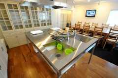 シェアハウスのキッチンの様子2。(2010-04-08,共用部,KITCHEN,1F)