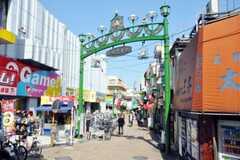 下赤塚駅前の商店街の様子。(2010-04-08,共用部,ENVIRONMENT,1F)
