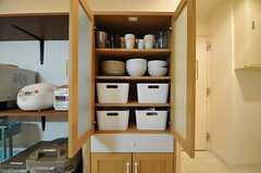 食器棚の様子。(2014-03-05,共用部,KITCHEN,1F)