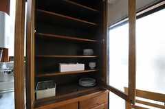食器棚の様子。(2013-03-14,共用部,KITCHEN,1F)