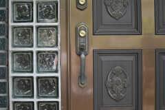 玄関どドアノブの様子。(2013-05-26,周辺環境,ENTRANCE,1F)