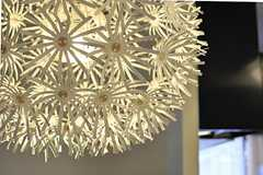 蒲公英の綿のような照明。(Fine)(2012-07-17,共用部,LIVINGROOM,2F)