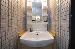 洗面台の様子。(Fine)(2012-07-17,共用部,LAUNDRY,2F)